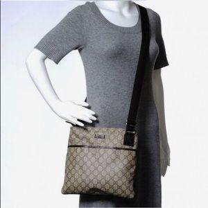 Gucci GG Supreme Monogram Messenger Bag